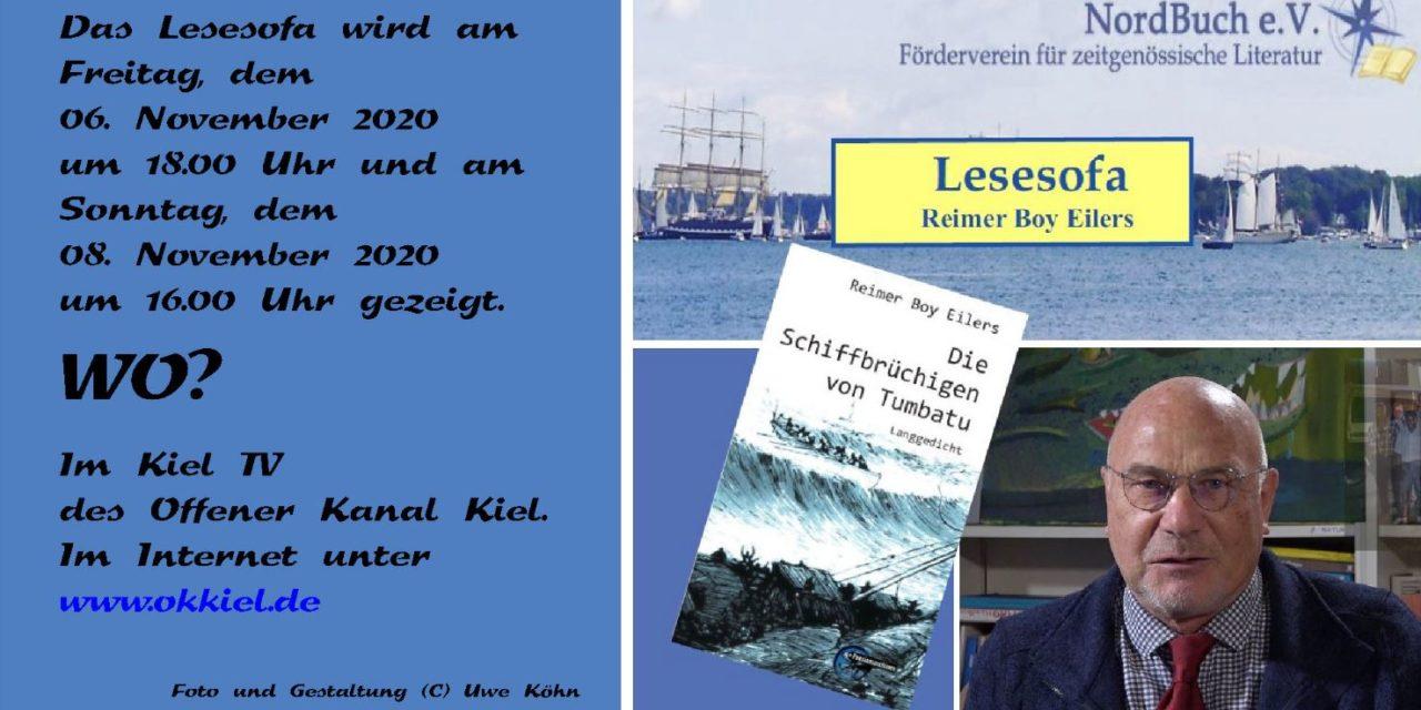Reimer Boy Eilers auf dem Lesesofa